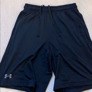 2/30🤑 under armour athletic shorts